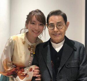 加藤茶と妻の加藤綾菜画像