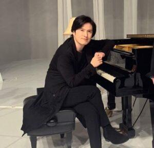 ピアニスト清塚信也画像