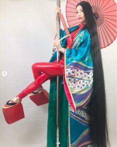 神戸リン髪長いダンサー画像